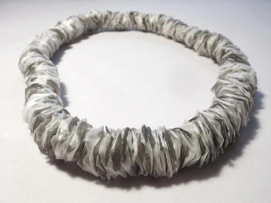 DesignGuide.cz -  Dechberoucí: Beton jewelry
