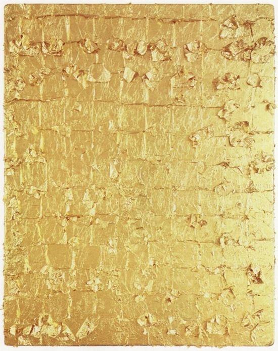 Design/color: gold leafed