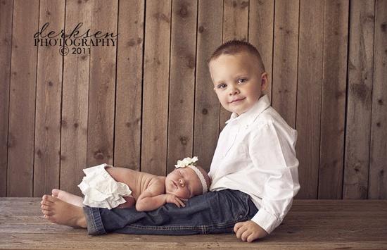 Sibling photo idea love love love :)