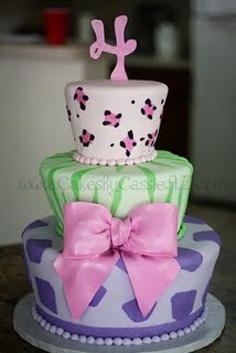 Animal Print Cake for the girls party this year? Cute look