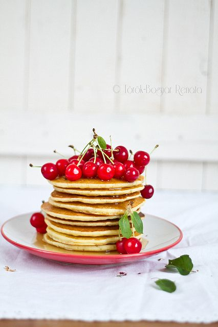 fs: pancakes with sour cherries...