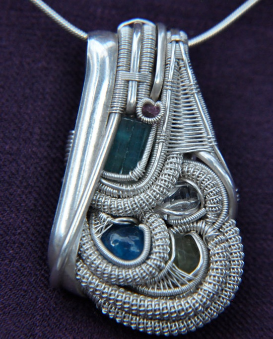 Wish I could make wire jewelry like this.
