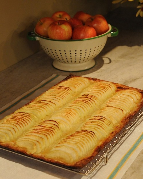 Apple pizza [or tart]
