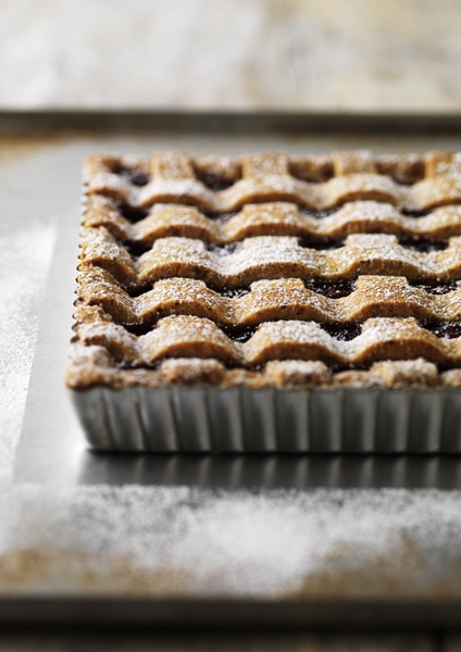 Perfectly put together Linzer Tart. #food #tarts #pastry #dessert