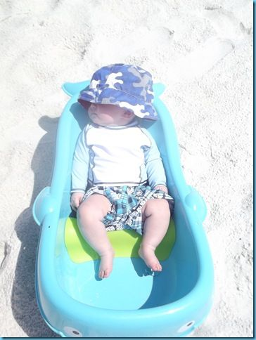 Tips for a Baby at the Beach. This lady is genius! Bringing a baby tub to fill with ocean water is so smart! Because our baby will be a beach baby!!