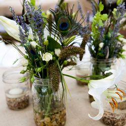 #Mason jar #peacock #centerpieces - perfect for a #rustic #wedding