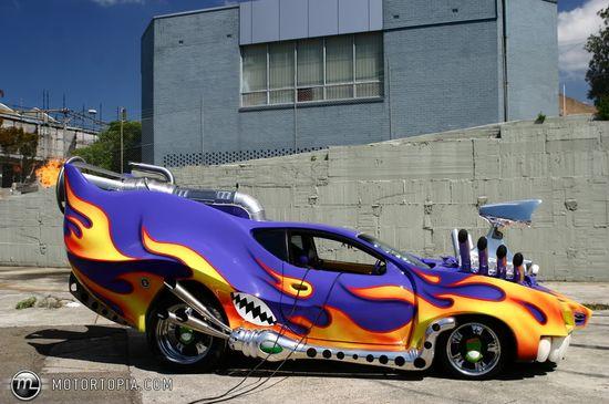 One Strange Car !