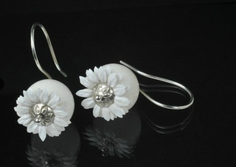"Heidemarie Herb (expo 'White') ""white flowers"" - corallo bianco, 925 Sterling silver, stoffa"
