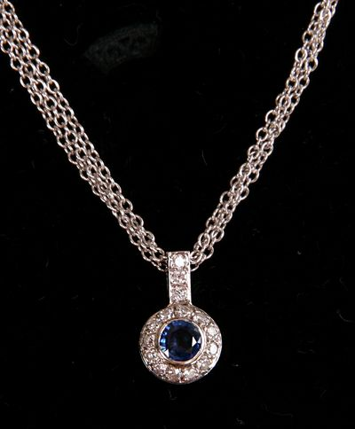 VINTAGE NECKLACE with Sapphire and Diamonds.