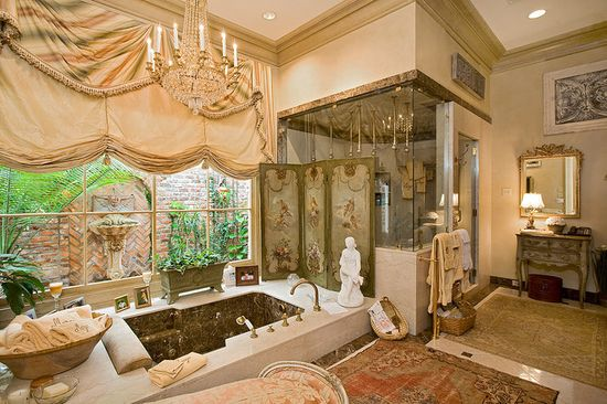 Now this is a regal bathroom!