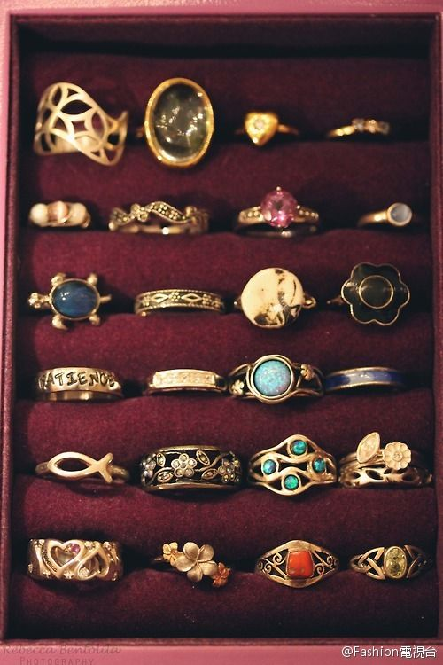 lovely rings. I want to have them all!!