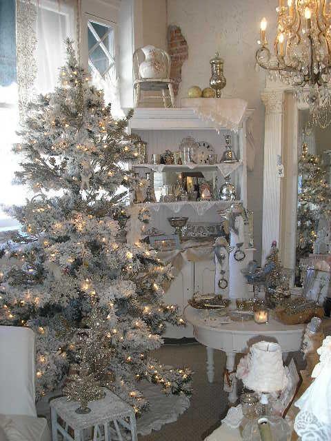 Silver & white Christmas decor.  Love all the sparkle.