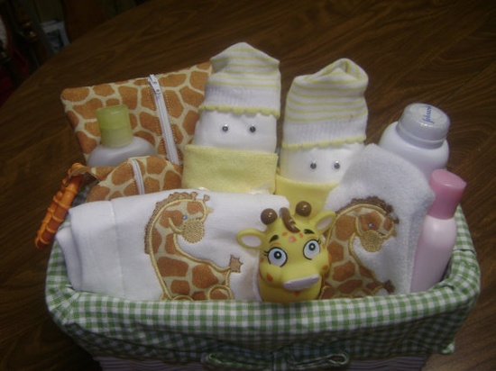 Giraffe Baby Gift Basket by twosistersembroidery, $40 on etsy. #baby #babygift #giftbasket