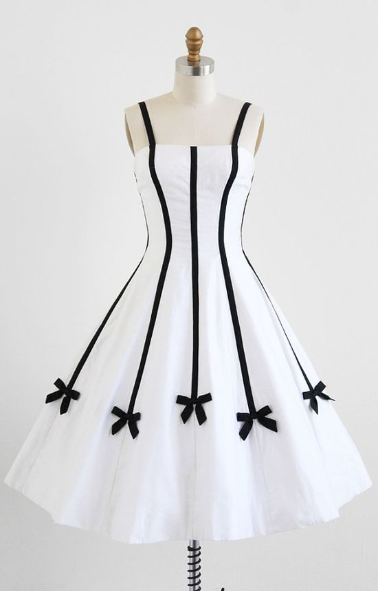 1950's Sweetly Pretty White Dress with Black Bows #dress #1950s #partydress #vintage #frock #retro #teadress #petticoat #romantic #feminine #fashion