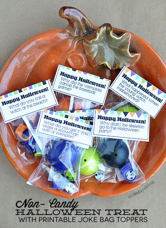 Adorable printable Halloween Joke Bag Toppers- can be used for candy or non-candy treats.   www.thirtyhandmad...