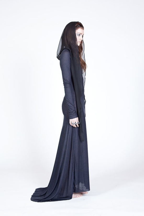 Black Silk Hood © by Audrey Cantwell for Ovate's Fall 2012 / Winter 2013 collection. (Ovate @ <a href='http://etsy.com' target='_blank' rel='nofollow'>etsy.com</a>) Ooh I really want to buy this!!!!!!!!!!!!