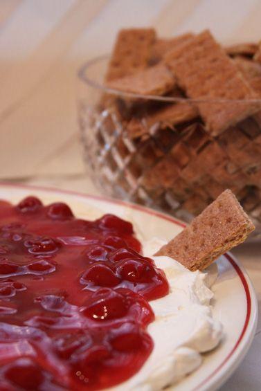 easy 4 ingredient cheesecake dip