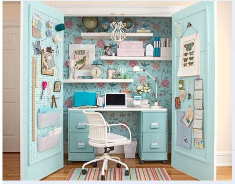 I REALLY need this little office space!!!  So I can make a pink sparkly blinged out craft station that everyone else doesn't have to look at!!!  I love the peg board, too!!!  Awesome.  ? it!!!
