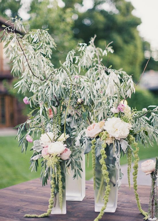 INCREDIBLE floral arrangements from StudioStems.com // photo by AlixannLooslePhot...