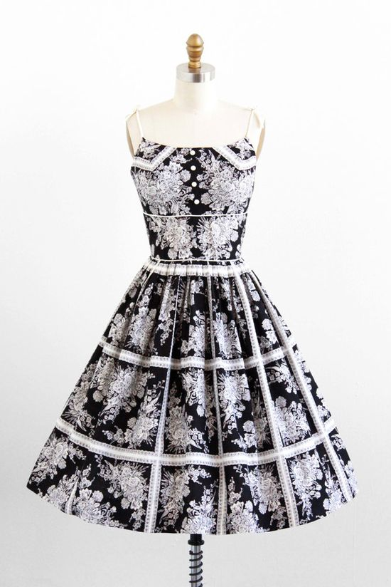 ~An elegantly beautiful black and white 1950s floral print cotton sundress. #vintage #1950s #fashion #summer~