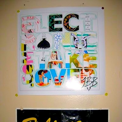 YAHOO! ANSWERS - POSTER DECORATING IDEAS ?!?!?