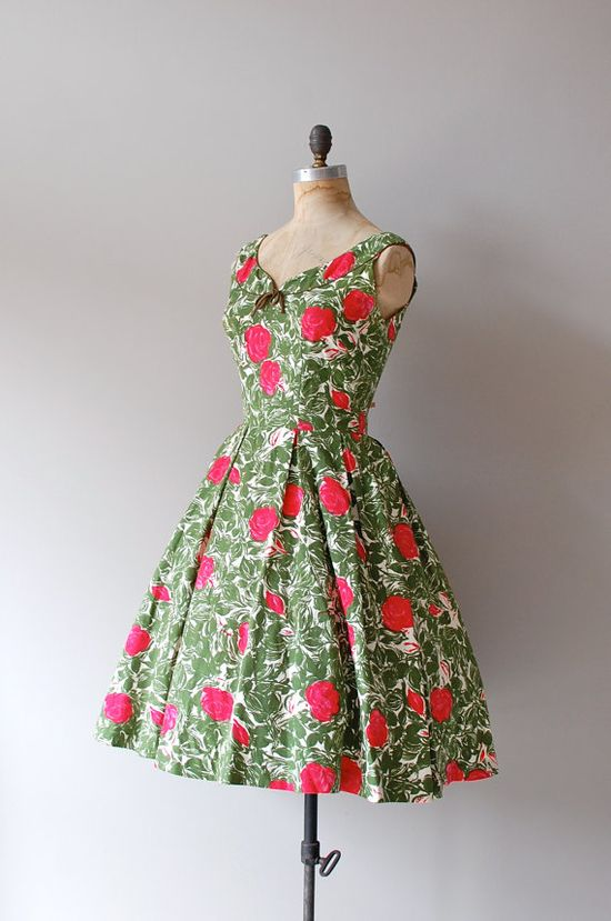 #summer #fashion #floral #dress #1950s #partydress #vintage #frock #retro #sundress #floralprint #petticoat #romantic #feminine