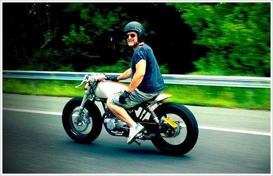 "Classified Moto's '92 Honda CB250 - ""MoHawk250"""