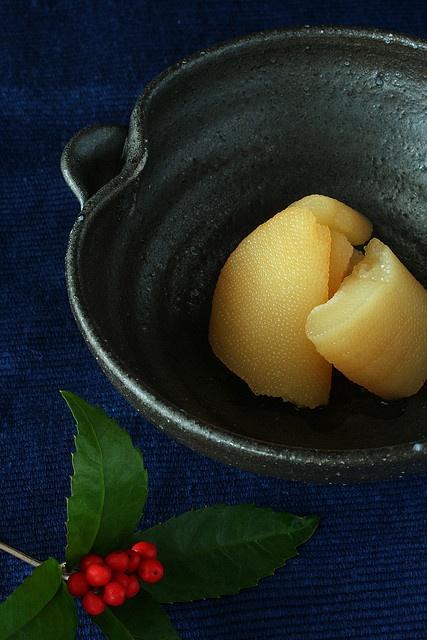 Japanese food - Kazunoko: kazunoko is herring roes marinated in a broth of dashi, soy sauce and sake.
