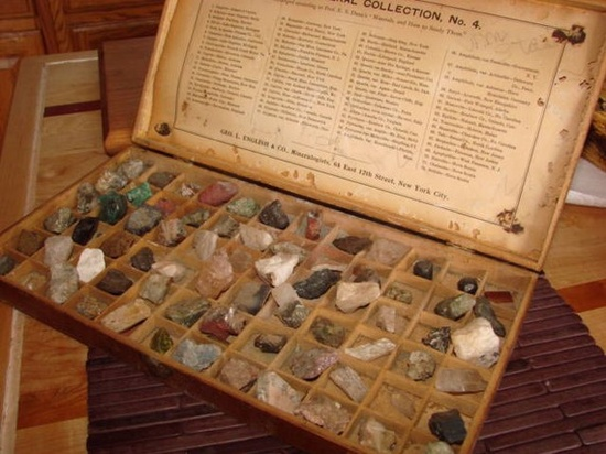 Mineral Box with Original Mineral Gem Stones