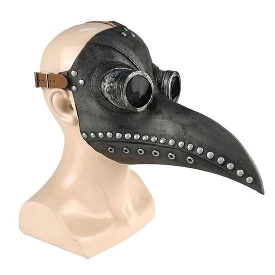 Un Masque De Peste pour faire peur aux enfants et même parfois aux grands !  Vous n'aurez pas une tête de porte-bonheur et rappellerez dans l'imaginaire collectif les sombres moments de notre histoire.   Ces médecins du moyen âge triaient les morts plus qu'ils ne sauvaient les malades pendant les épidémies de peste noir. Un classique des costumes Steampunk qui fait toujours son effet.     Type de l'article : Masque Steampunk Sexe : Unisexe Matière : Latex Latex : matière souple et résistante.  U