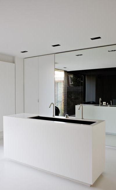 Minimalist bathroom design _