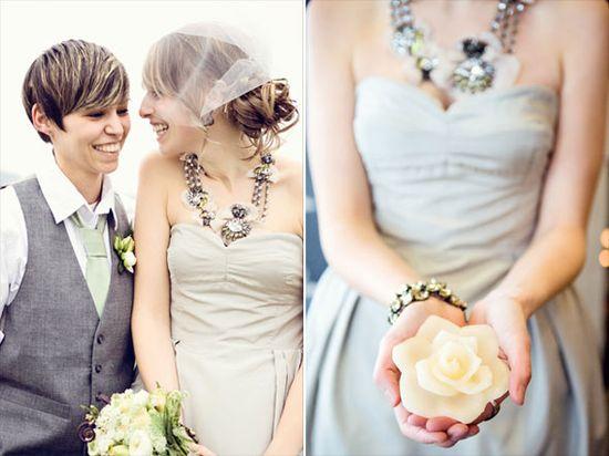 LOVE the flowy sleeveless dress & chunky necklace!