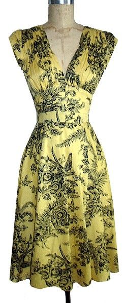 Gorgeous 1940s dress in yellow toile. #dress #clothing #1940s #vintage #toile