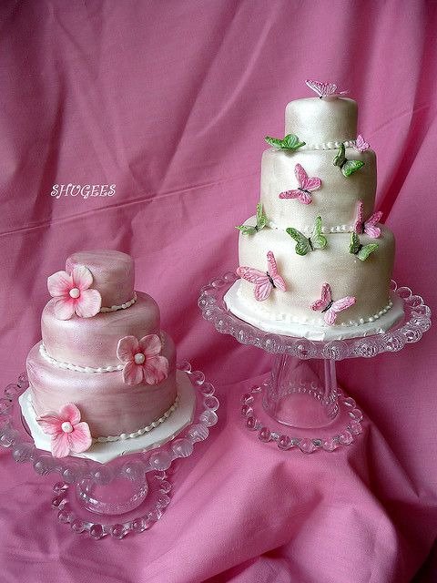 Mini Wedding Cakes... by Shugee's Custom Cakes & Cookies ?, via Flickr