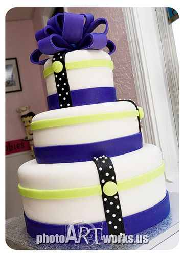 Funky wedding cake #dental #poker