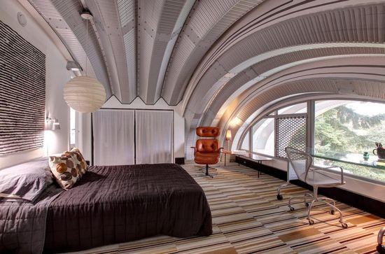 wild corrugated metal bedroom ceiling... (home, interior, decor, design)