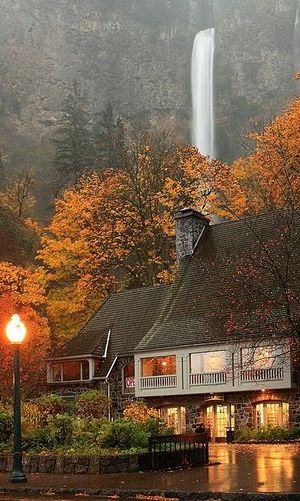 A rainy evening at Multnomah Falls and Lodge in the Columbia River Gorge near Portland, Oregon •