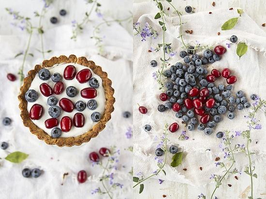 Perfectly 4th of July hued Blueberry, Cornus and Mascarpone Tarts. #cooking #food #beautiful #baking #dessert #tarts #blueberries
