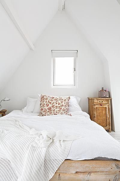 cute attic space. perfect guest room.