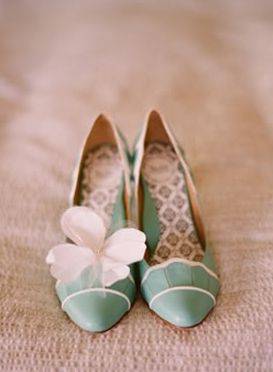 Vintage inspired wedding shoes #mint