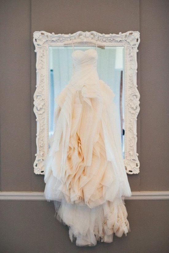 amazing vera wang wedding dress www.verawang.com