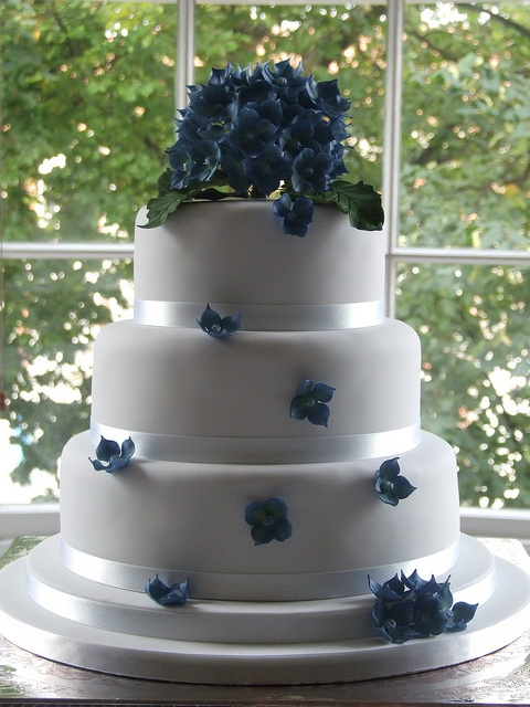 Hydrangea Wedding cake by cakes-by-kerry, via Flickr