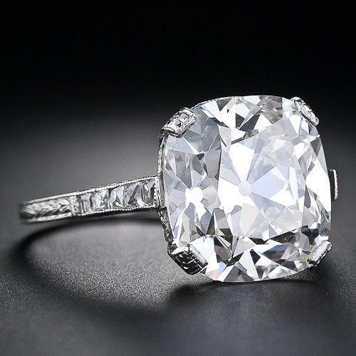 Platinum band. Diamond 6.5 cts