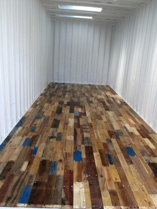 Жилище от контейнер с под от стари дървени палети