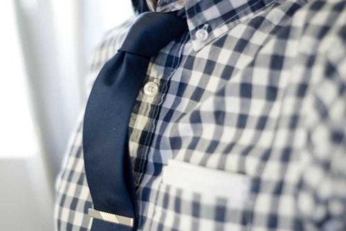 Blue shirt/tie