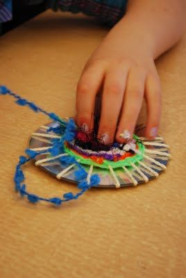 Need a new use for those old CDs? CD weaving, a great an inexpensive craft to tr