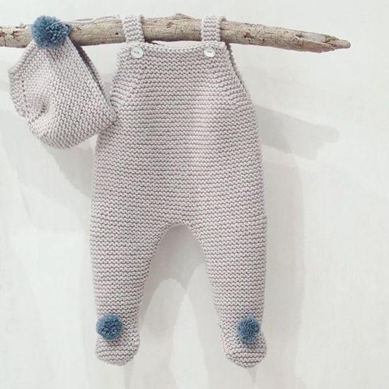 Buenos días!! Este modelo también está causando furor...y es que essss 😍😍😍😍. Pelele recién nacido gris con pompones en azul ¿que luego…