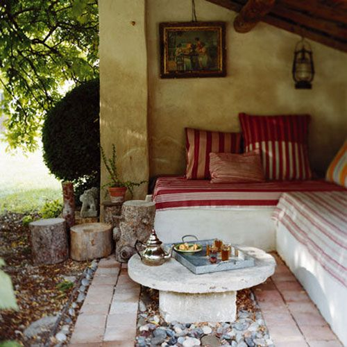 A shady nook.. in an old cottage...maybe somewhere in the Italian countryside, with a cup of summer ice-tea and a conversaation with someone who 5 minutes ago used to be a stranger.