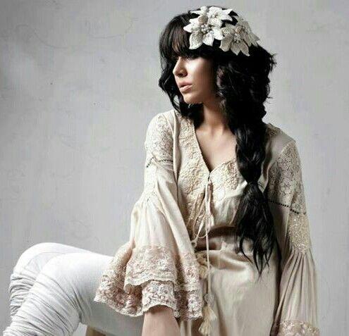 Nice dress nd hair style...