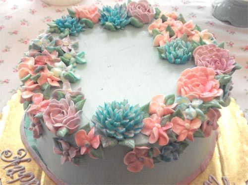 This would make a pretty Birthday cake